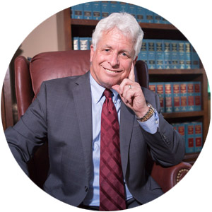 steve-brian-davis-attorney-at-law-san-diego-portrait-chair